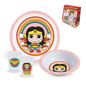 wonder woman dinnerware set